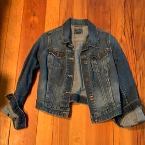 Lucky Brand denim blue jean jacket. EUC SMALL